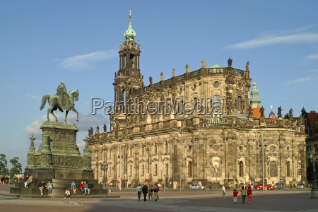 dresden theater square