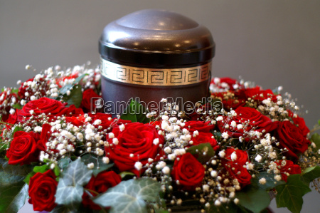 urn, with, wreath - 695969