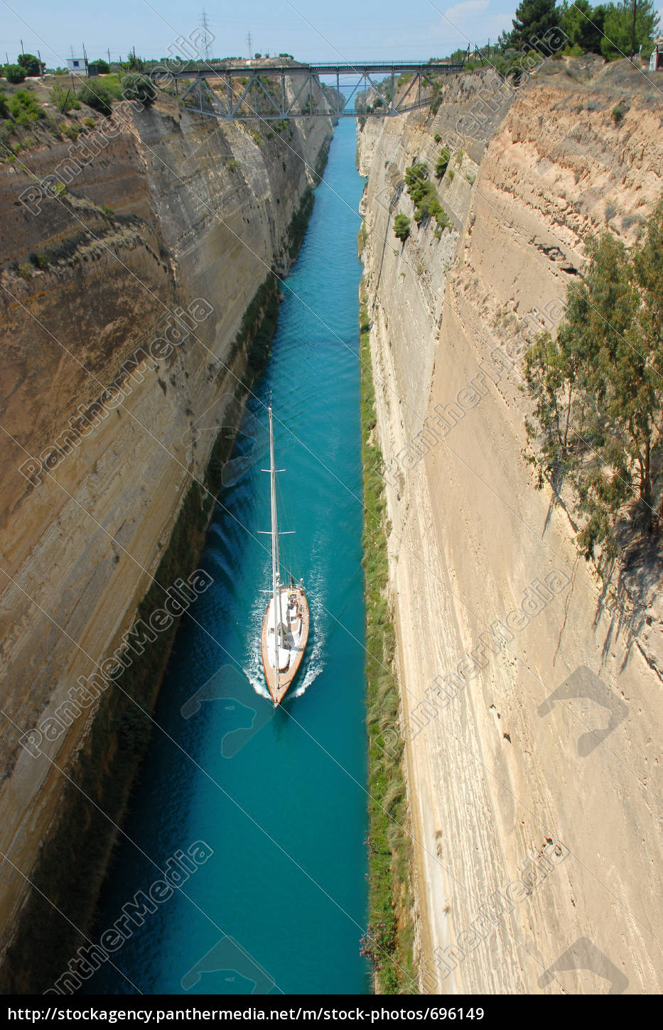 strait, of, corinth, with, boat - 696149