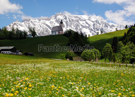 mountain, meadow, with, chapel, and, mountains - 713056