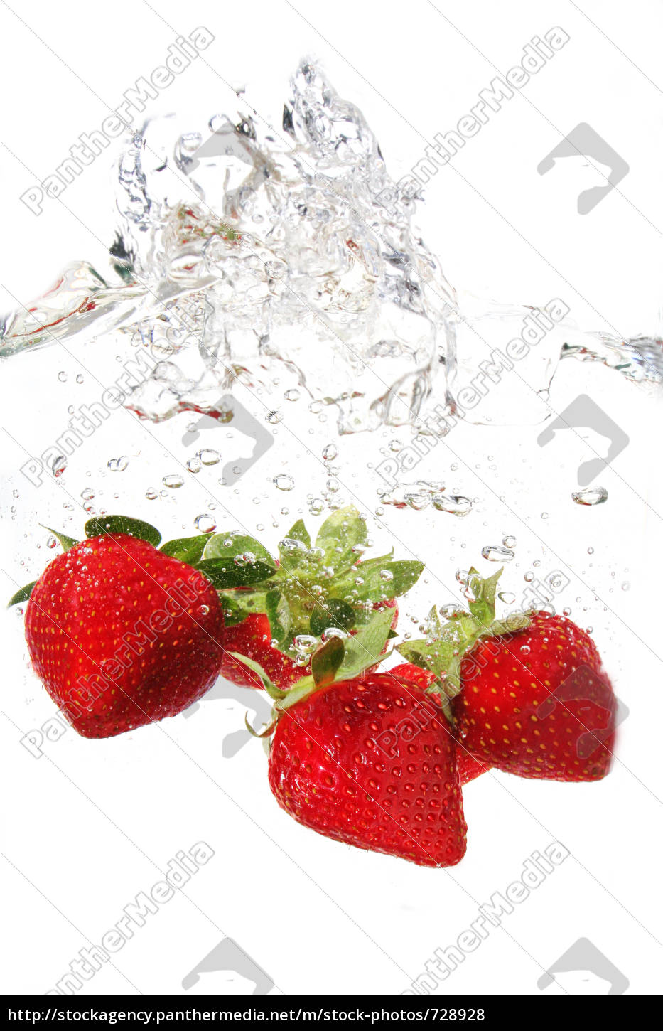 strawberry, in, the, water - 728928
