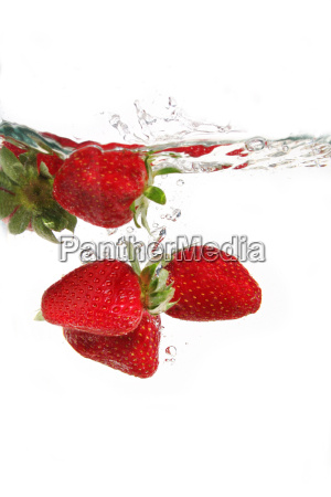 strawberry, in, the, water - 735354