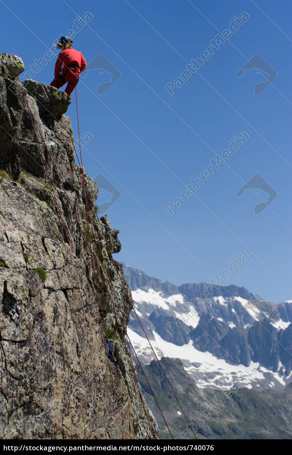 climbing, in, the, alps - 740076