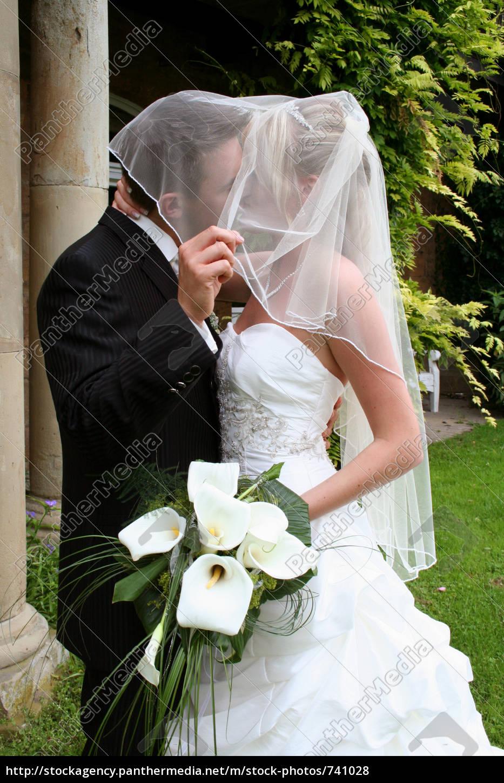 secret, kiss, under, the, veil, ... - 741028
