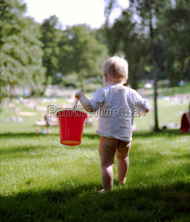 red, bucket - 746888