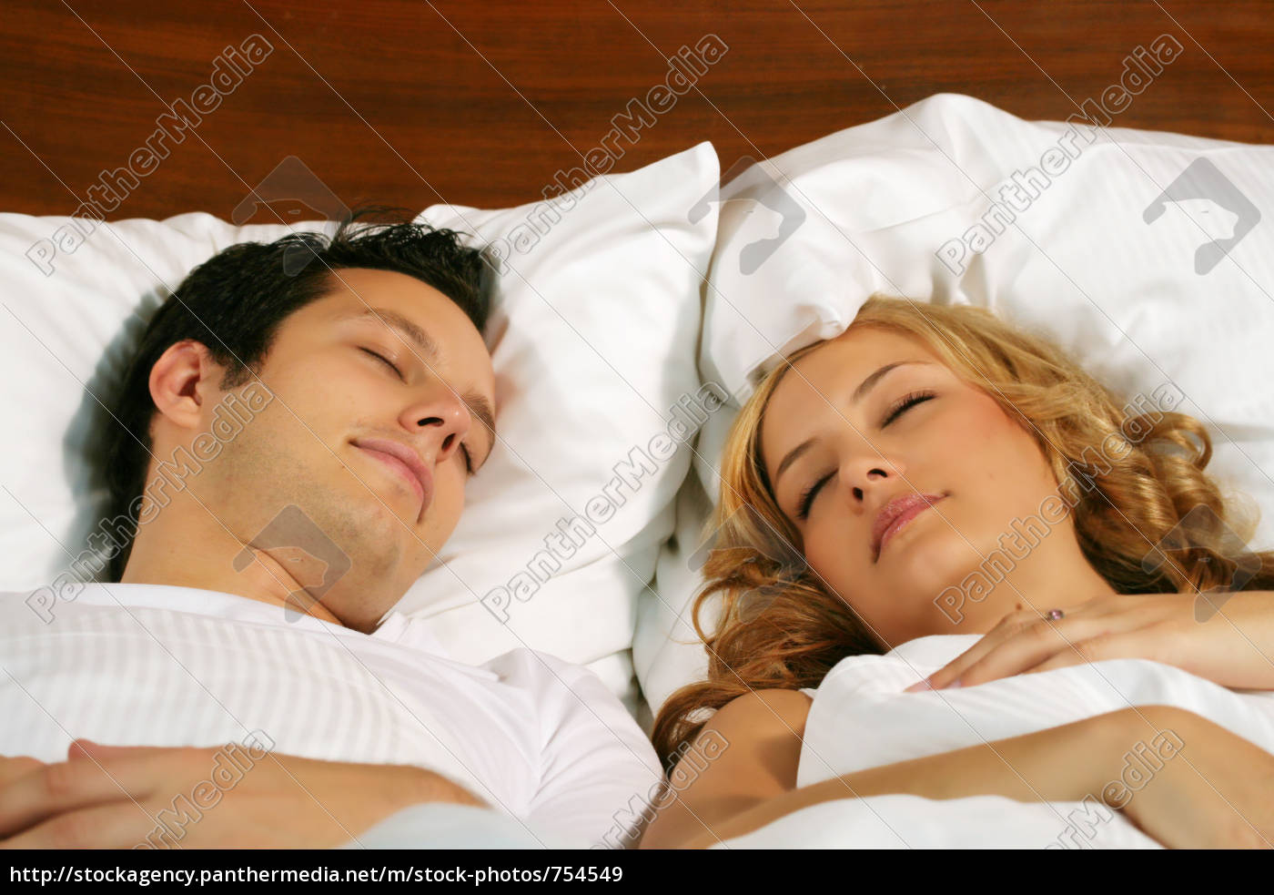 couple, in, bed - 754549