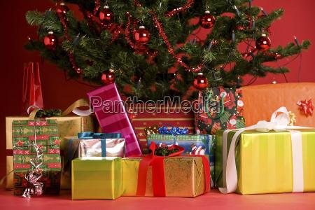 presents, under, the, tree - 757237