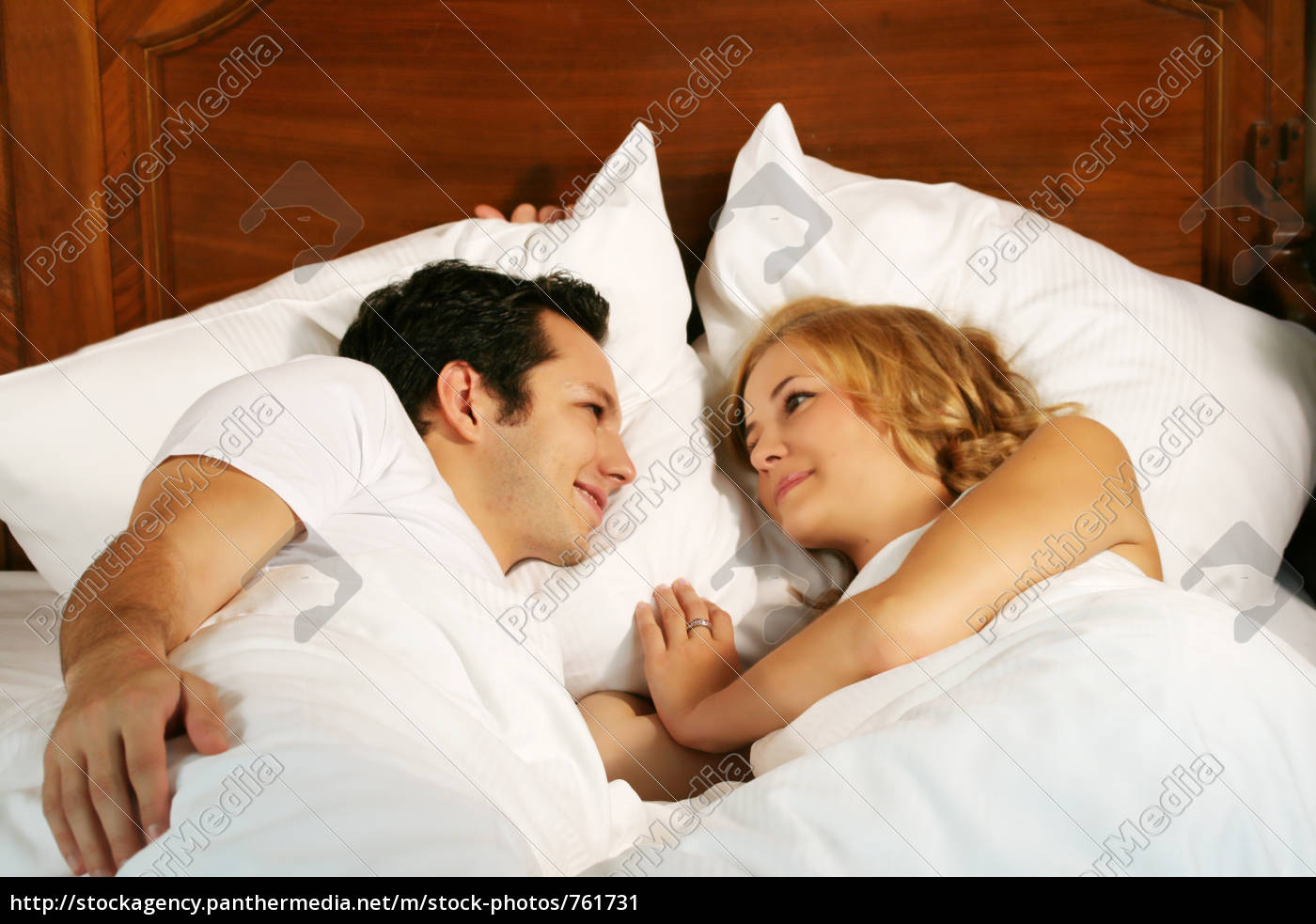couple, in, bed - 761731