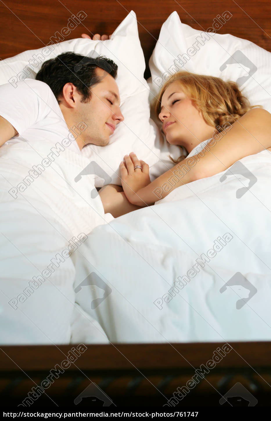 couple, in, bed - 761747