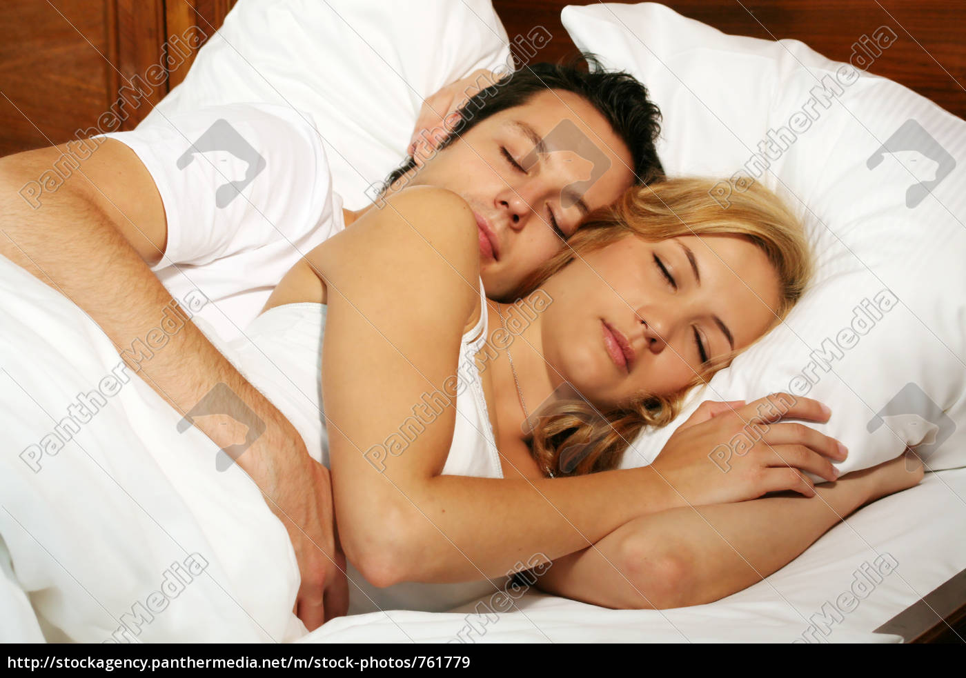 couple, in, bed - 761779