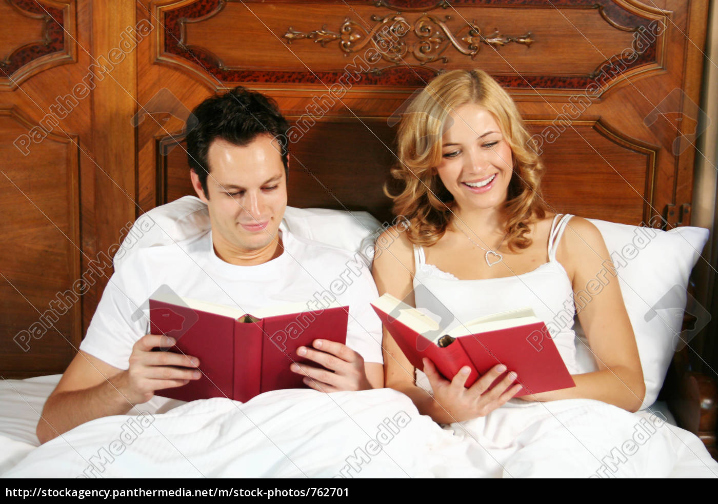 reading, in, bed - 762701