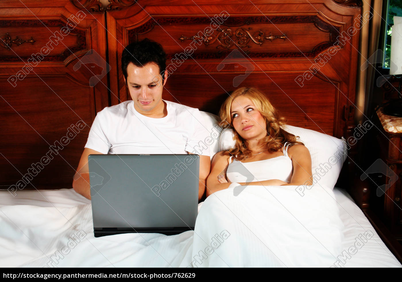 young, couple, in, bed - 762629