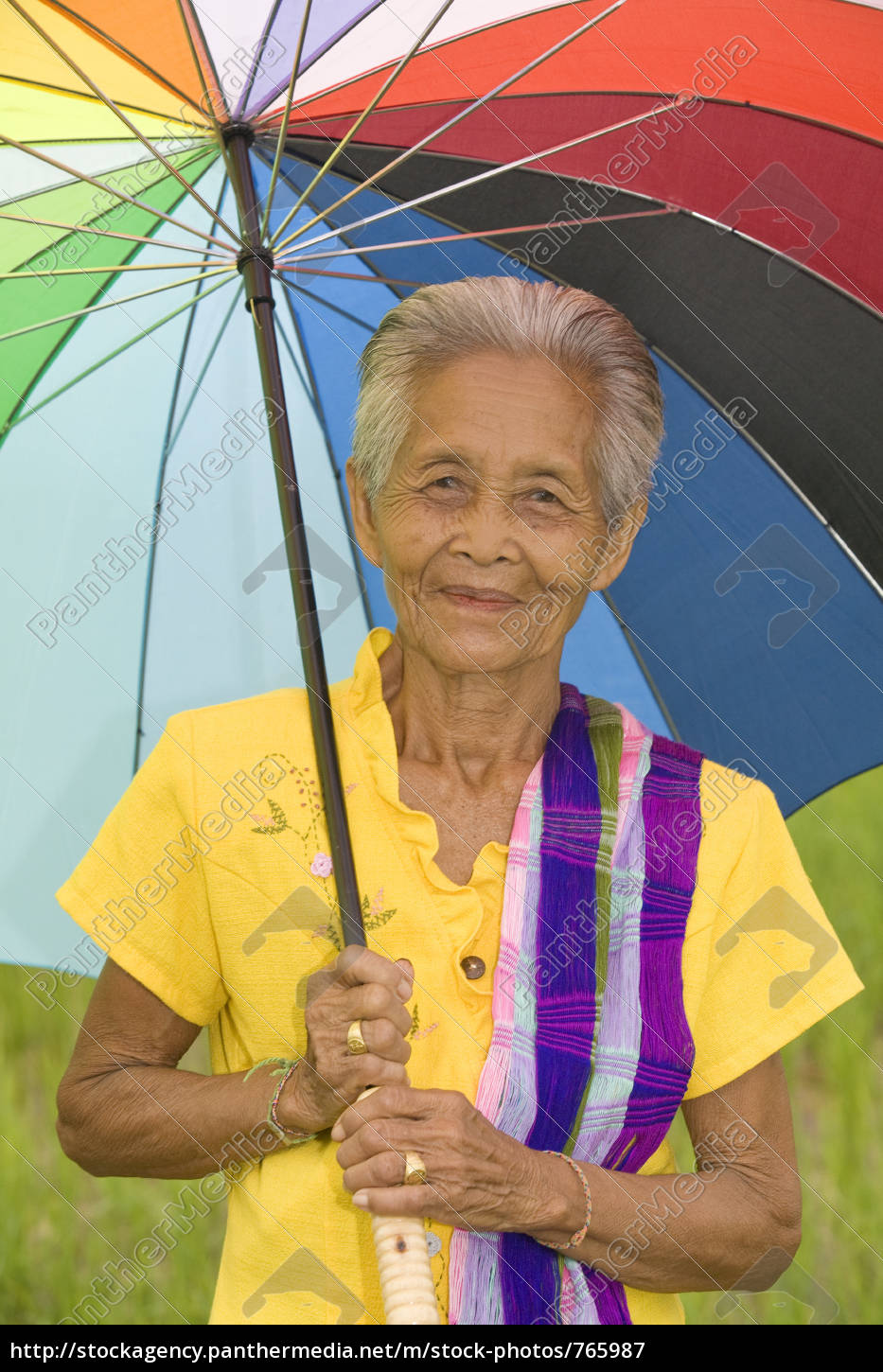 old, woman, with, umbrella - 765987