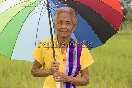 old, woman, with, umbrella - 766007