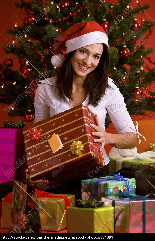 woman, with, christmas, gift - 771391