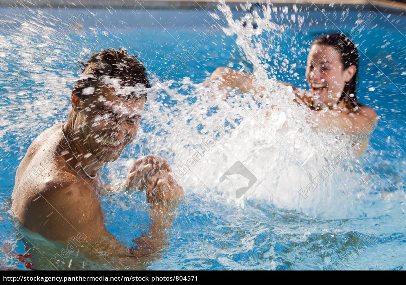 pool - 804571