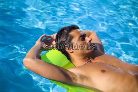 pool - 804581
