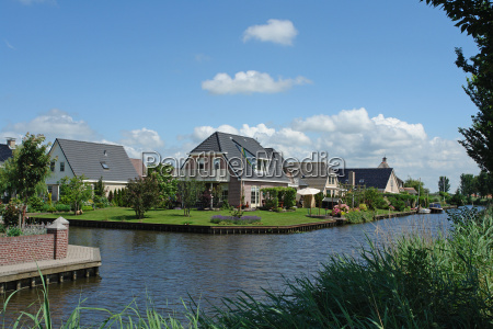 waterfront, living - 805523