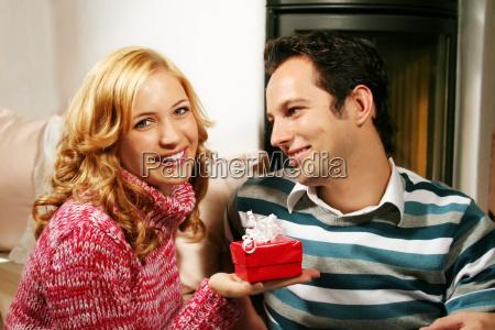 couple, at, christmas - 821215
