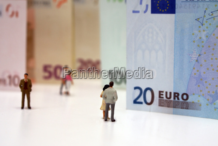 persons, from, euro, banknotes - 821513