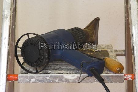 hot air gun and spatula
