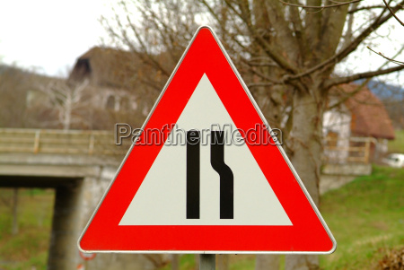 road sign lane closure
