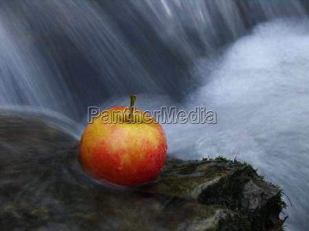 apple a waterfall
