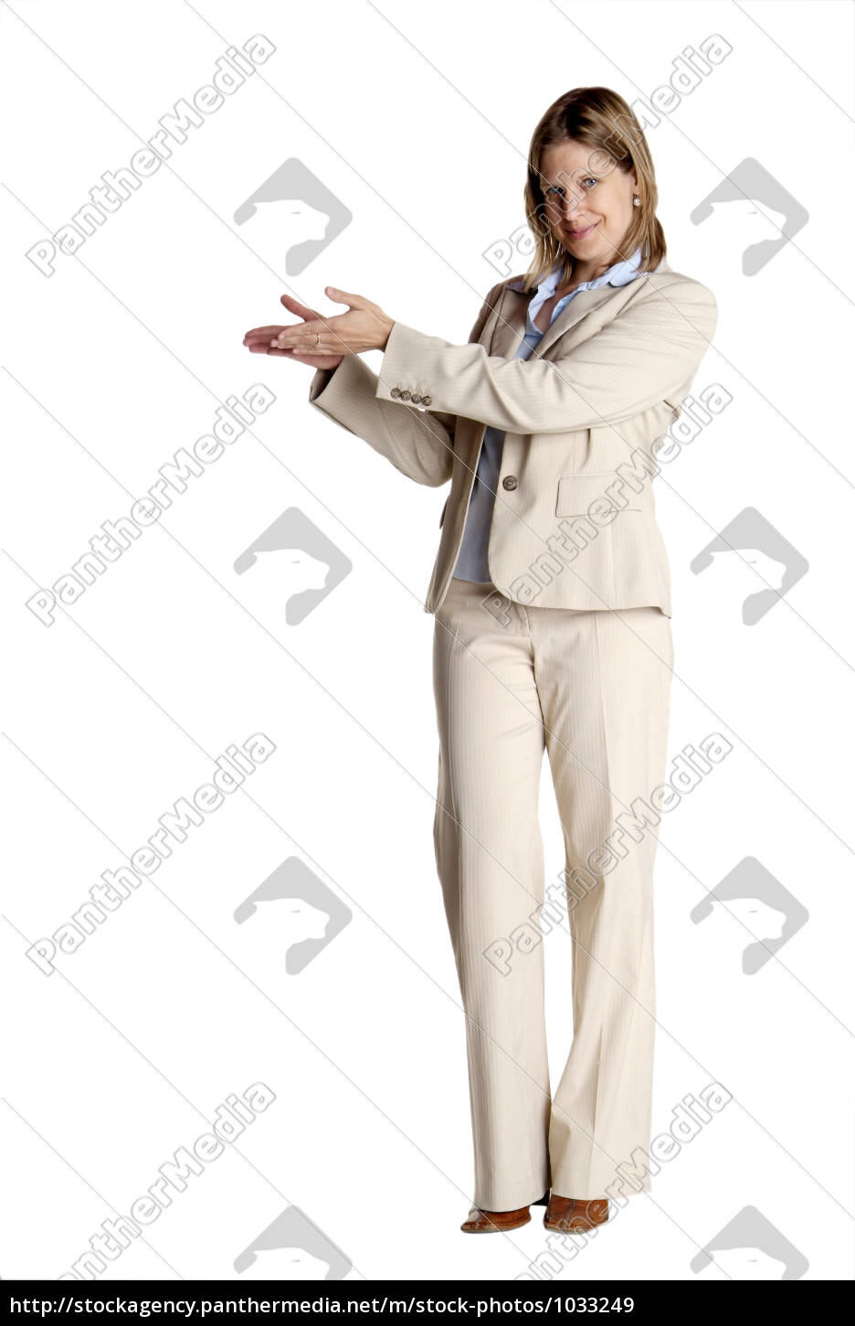 standing, woman, shows - 1033249