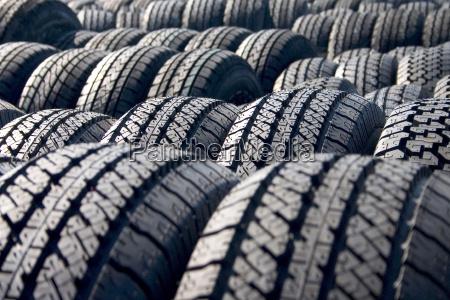 tires - 1058909