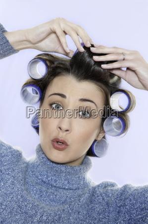 hair-curlers, victim - 1093155