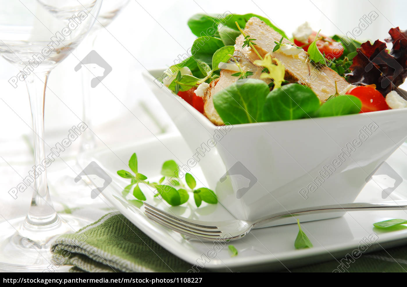 chicken, grilled, tomato, lettuce, salad, healthy - 1108227