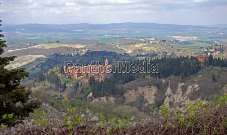 monasteries in tuscany