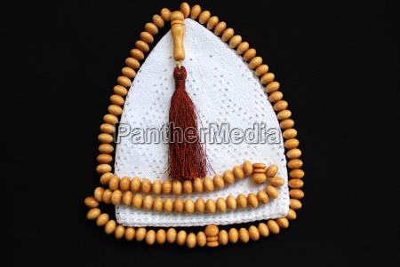 islamic gebetsmuetze and prayer beads
