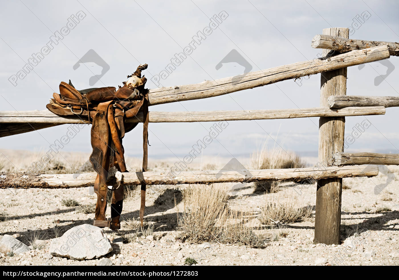 ranch, -, saddle, on, fence - 1272803