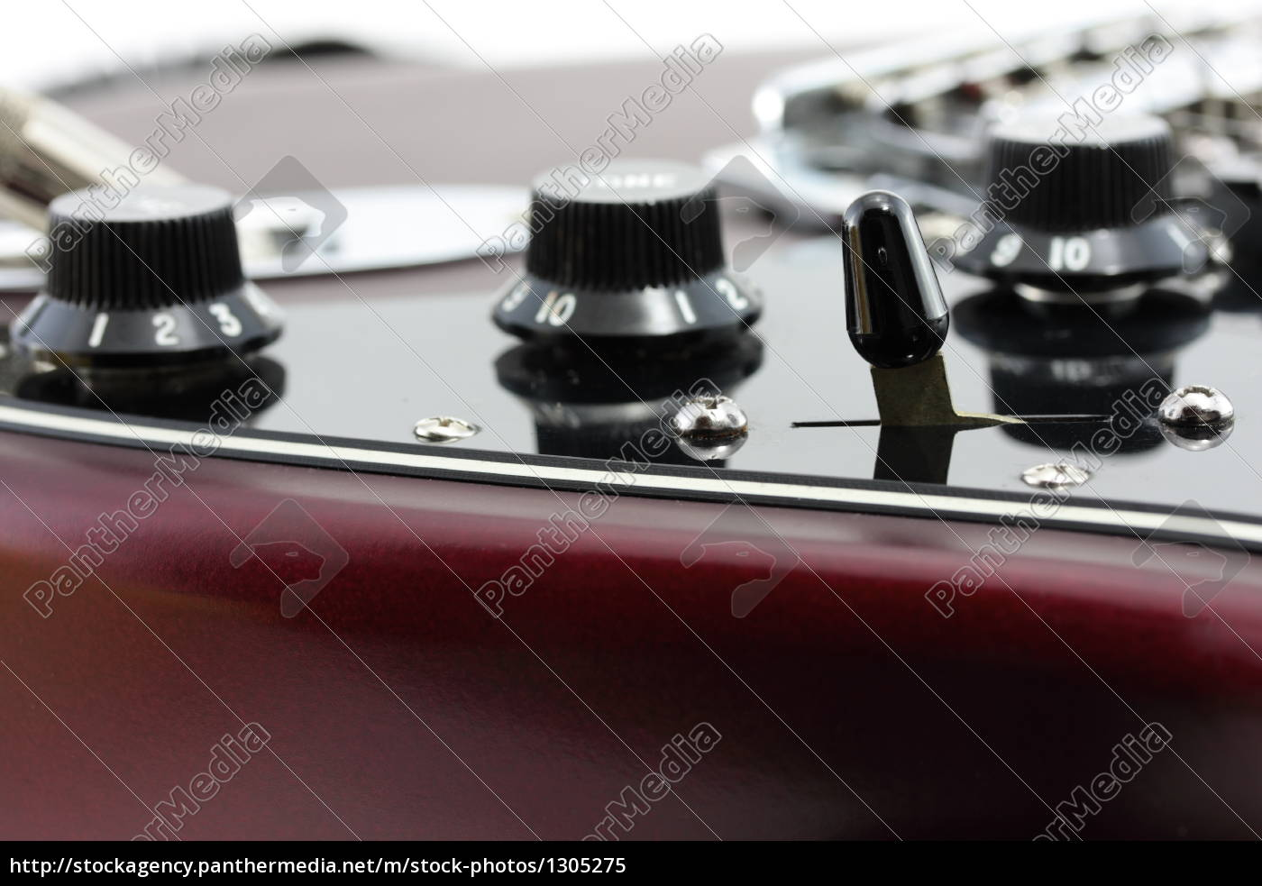 detail, of, an, electric, guitar - 1305275