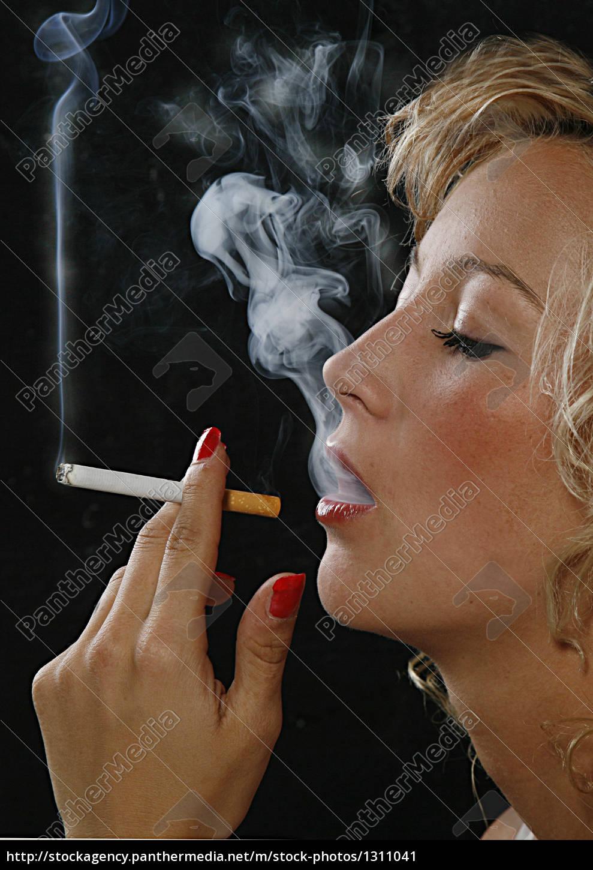girl, with, smoking - 1311041