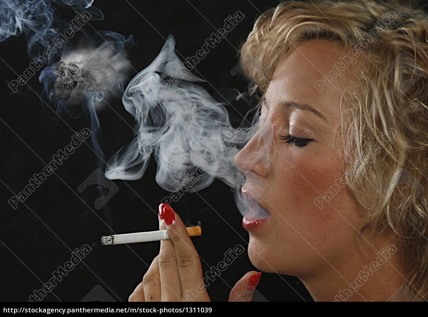 young, girl, smoking - 1311039