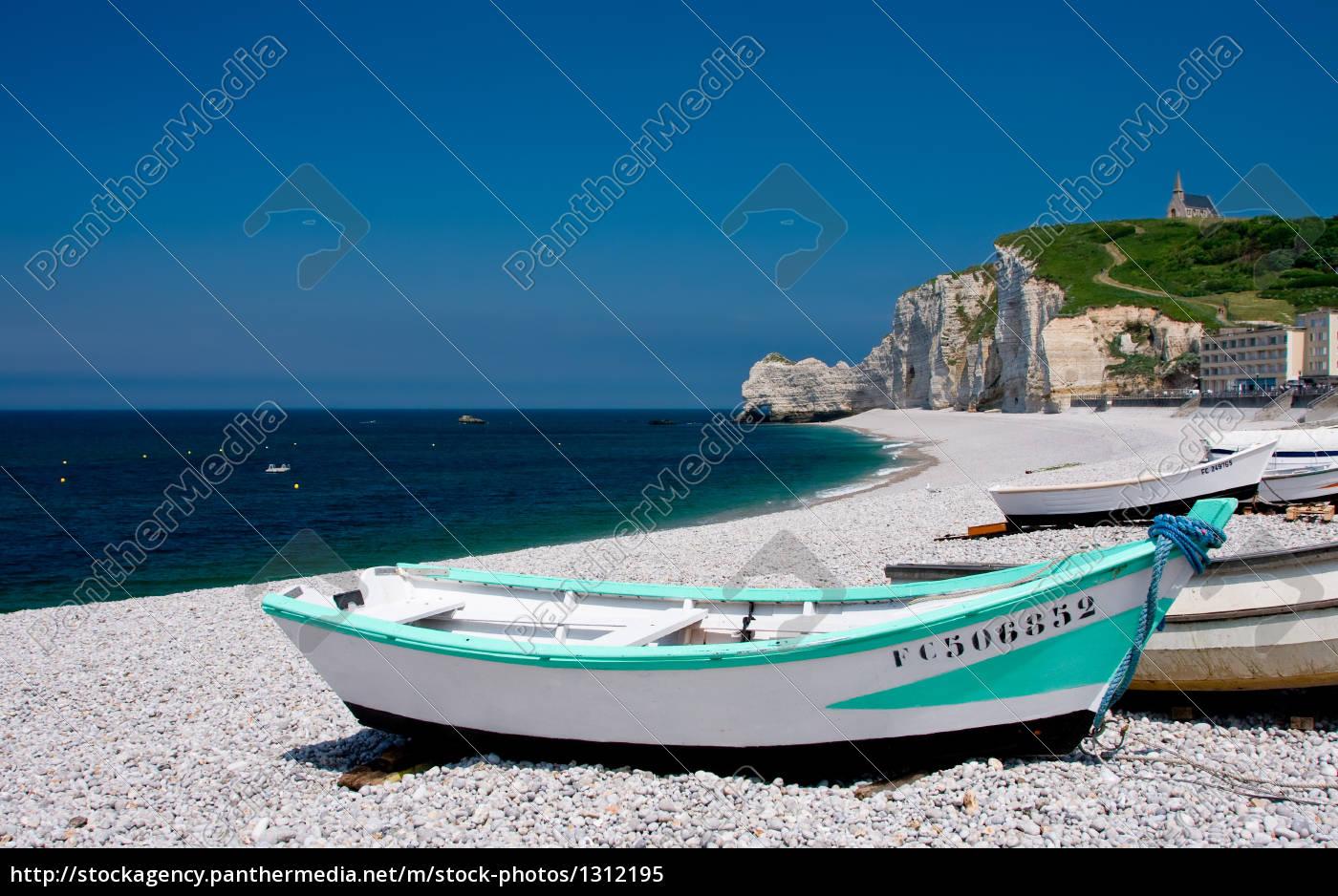 boats, on, the, beach, etretat - 1312195