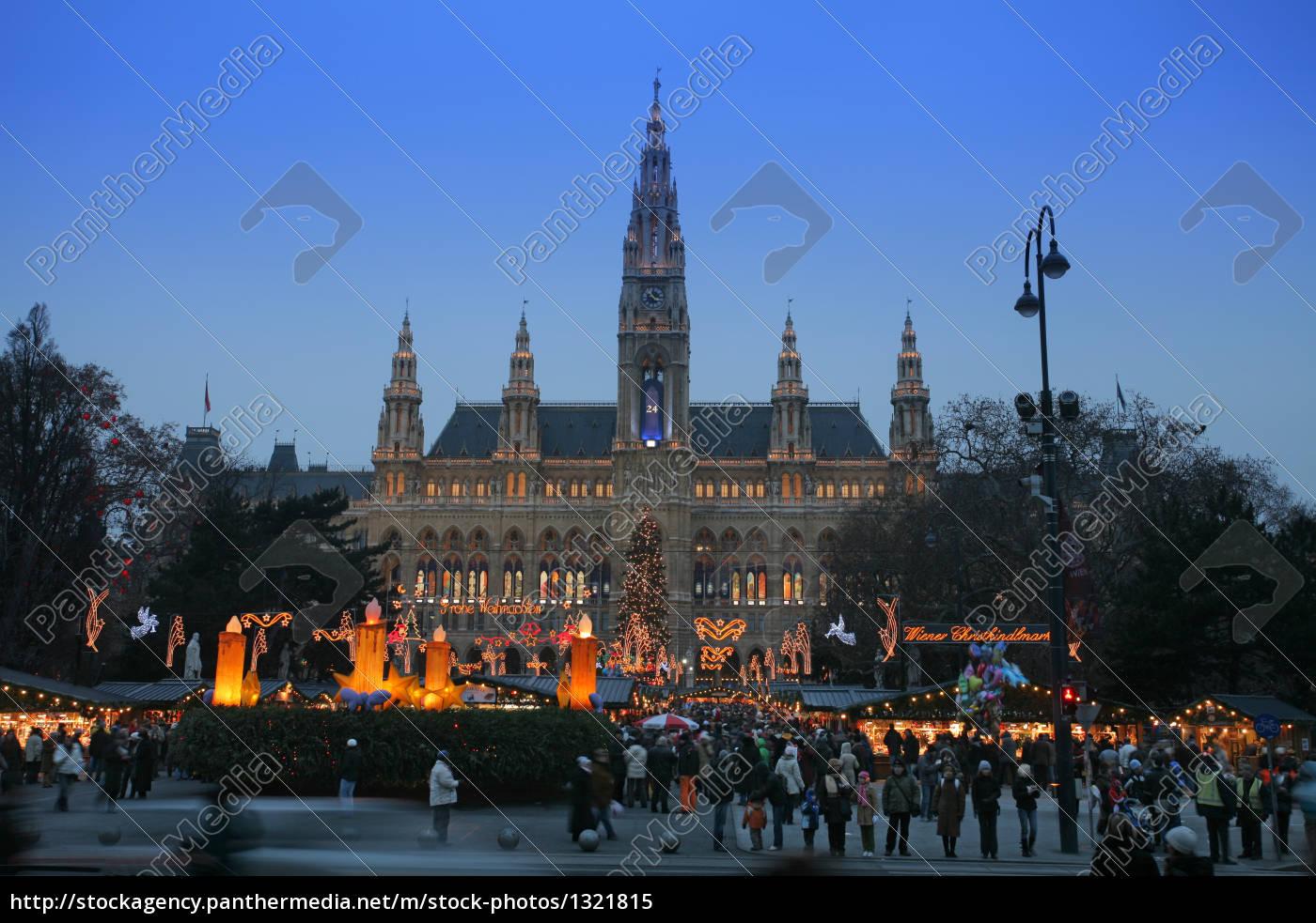 vienna, city, hall, with, christmas, market - 1321815