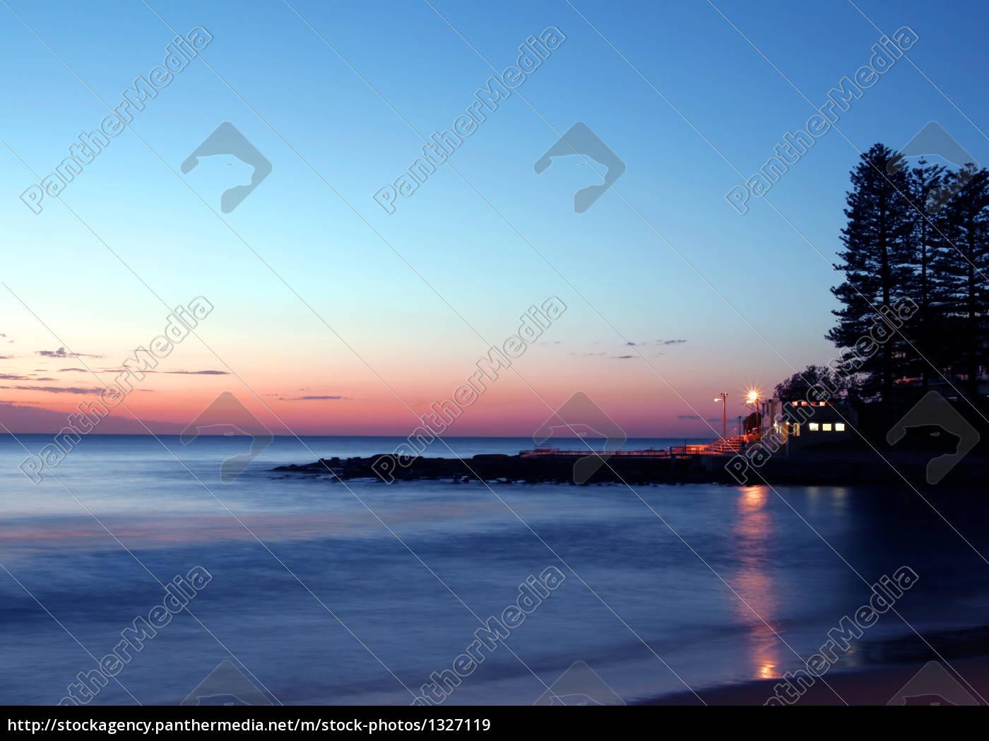 pacific, sunrise - 1327119