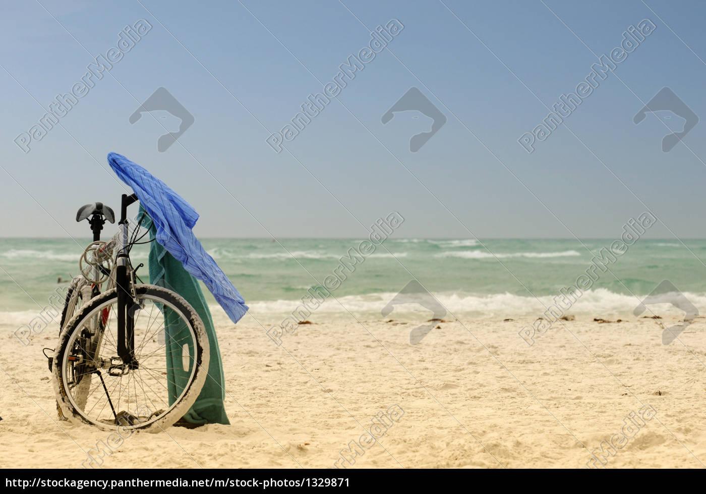 wheel, on, the, beach - 1329871