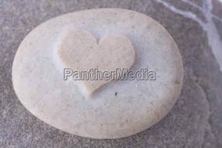 heart shaped gradient stone