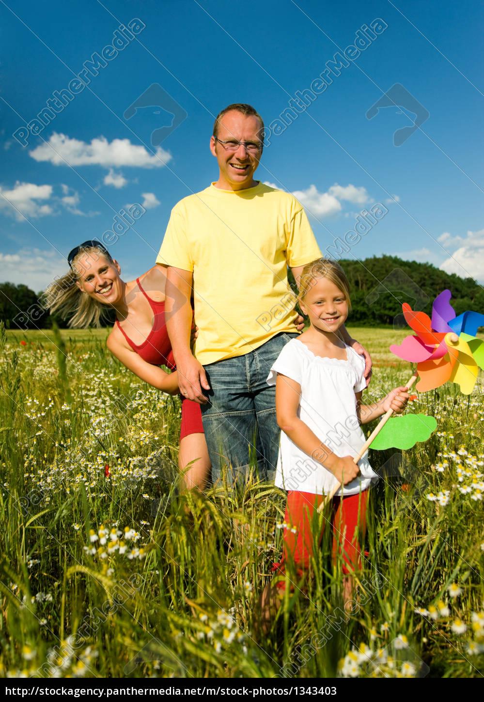 family, in, field - 1343403