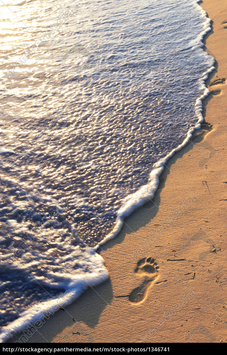 tropical, beach, with, footprints - 1346741
