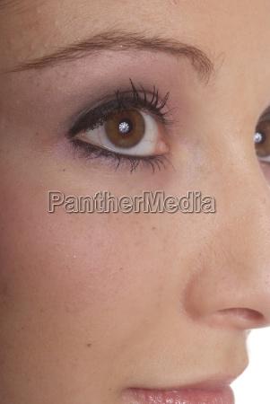 brown eye open