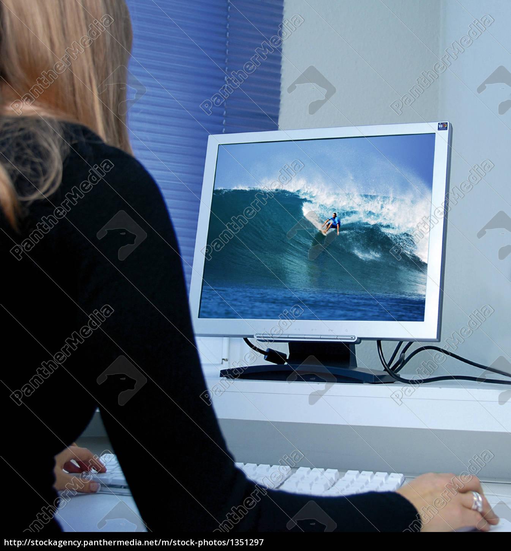 surfing - 1351297