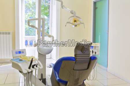 dentist - 1354189