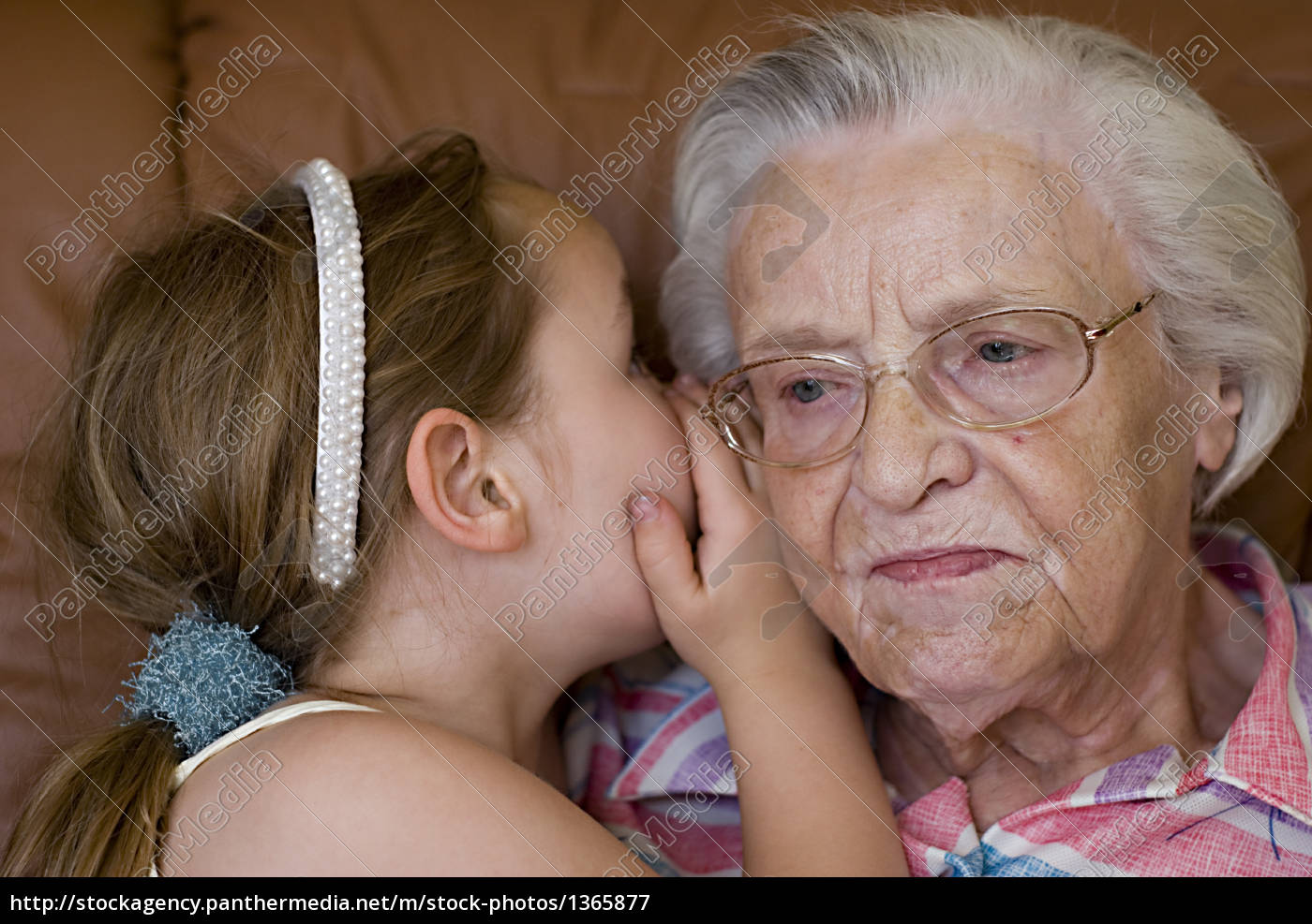 secret, between, grandmother, and, granddaughter - 1365877