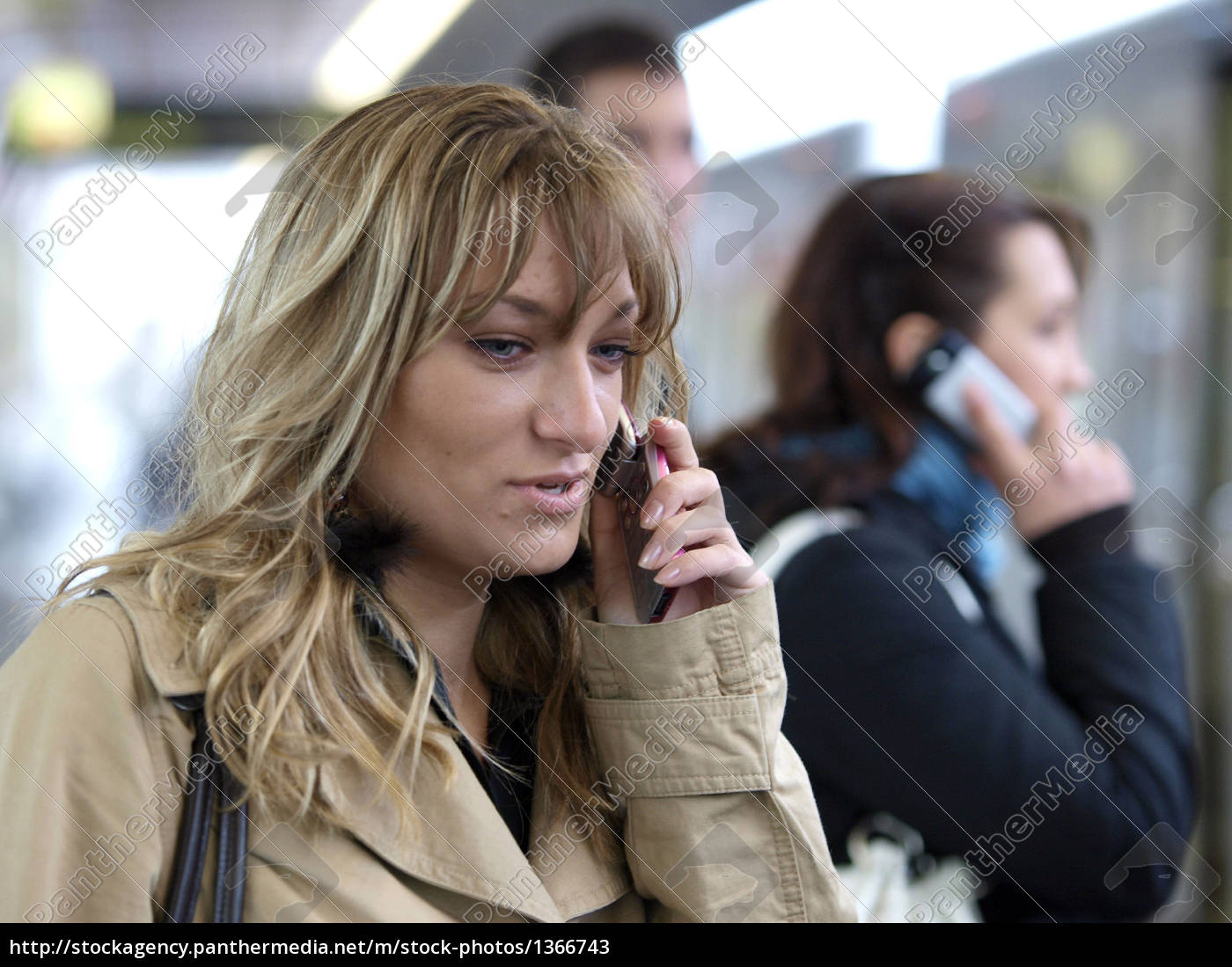 young, woman, talking, on, mobile, phone. - 1366743