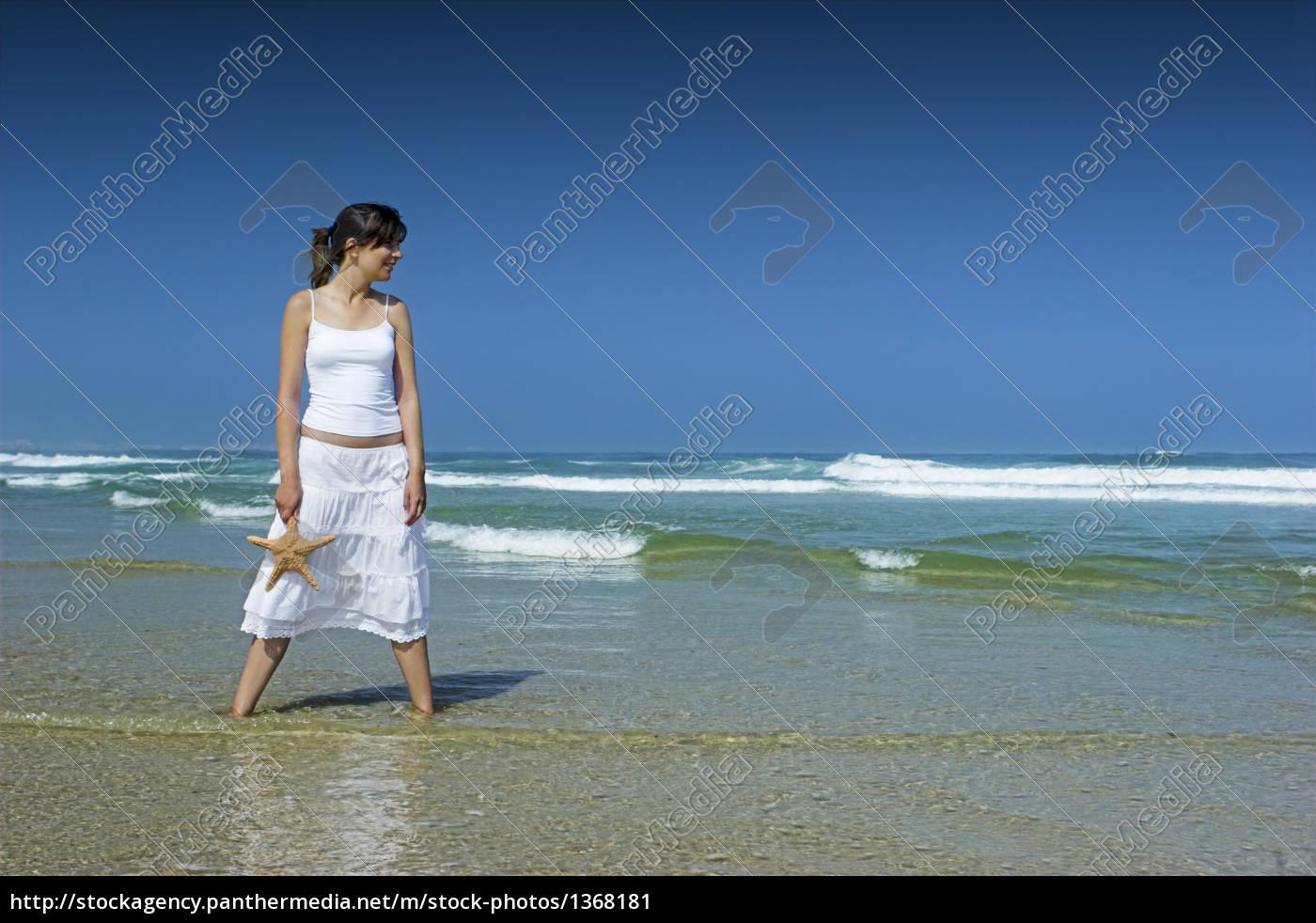 starfish, woman - 1368181